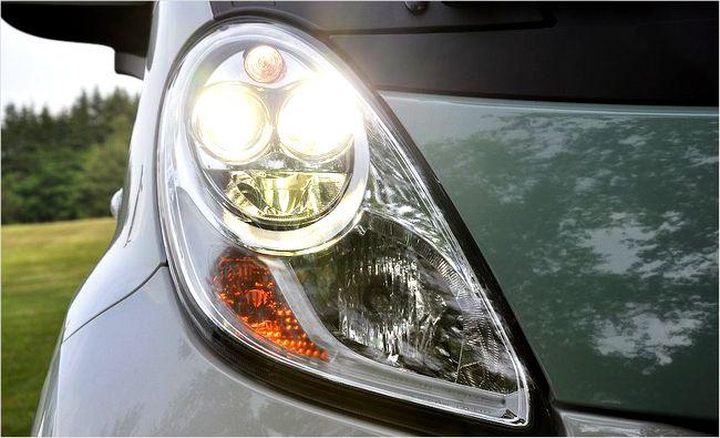 【車 LED】 ライトの オススメのメーカーは?